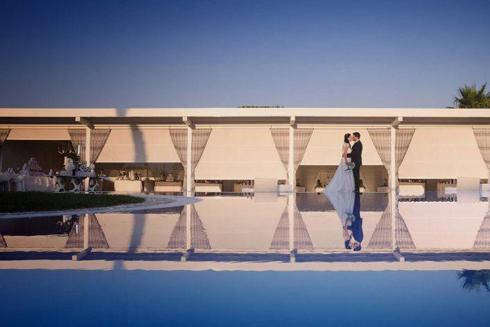 Villa Vittoria Matrimonio, sposi sulla piscina